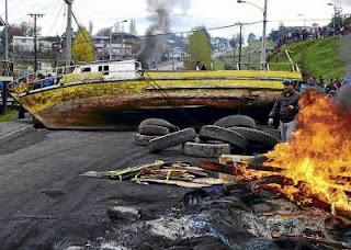 Colegio de Periodistas insta a la prensa nacional a dar una cobertura plural a conflicto en Chiloé, extendido hoy a región de Los Lagos