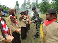 Prajurit Yonif Mekanis 412 Kostrad Latih PBB SMK Batik Perbaik Purworejo