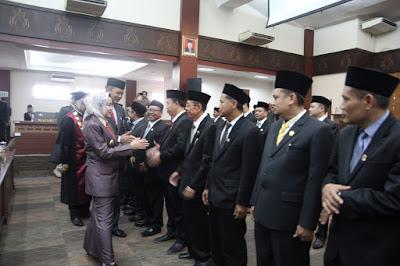 http://www.topfm951.net/2019/08/47-wakil-rakyat-brebes-di-sumpah.html#more