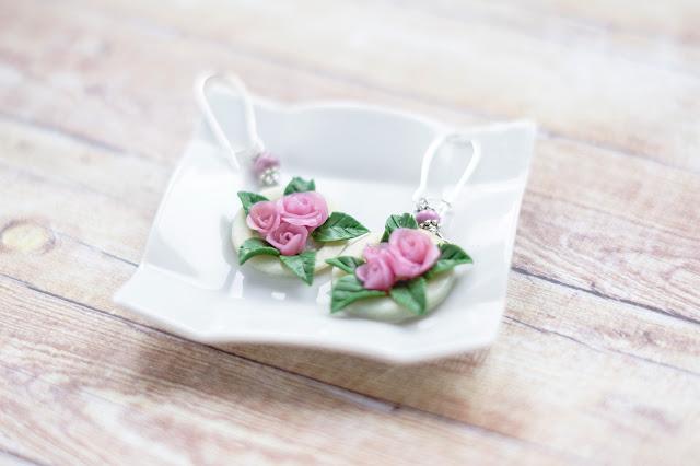 kolczyki handmade, biżuteria handmade, biżuteria na prezent, wiszące kolczyki, kolczyki z różami