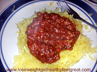How to make low carb pasta / low carb noodles out of spaghetti squash.