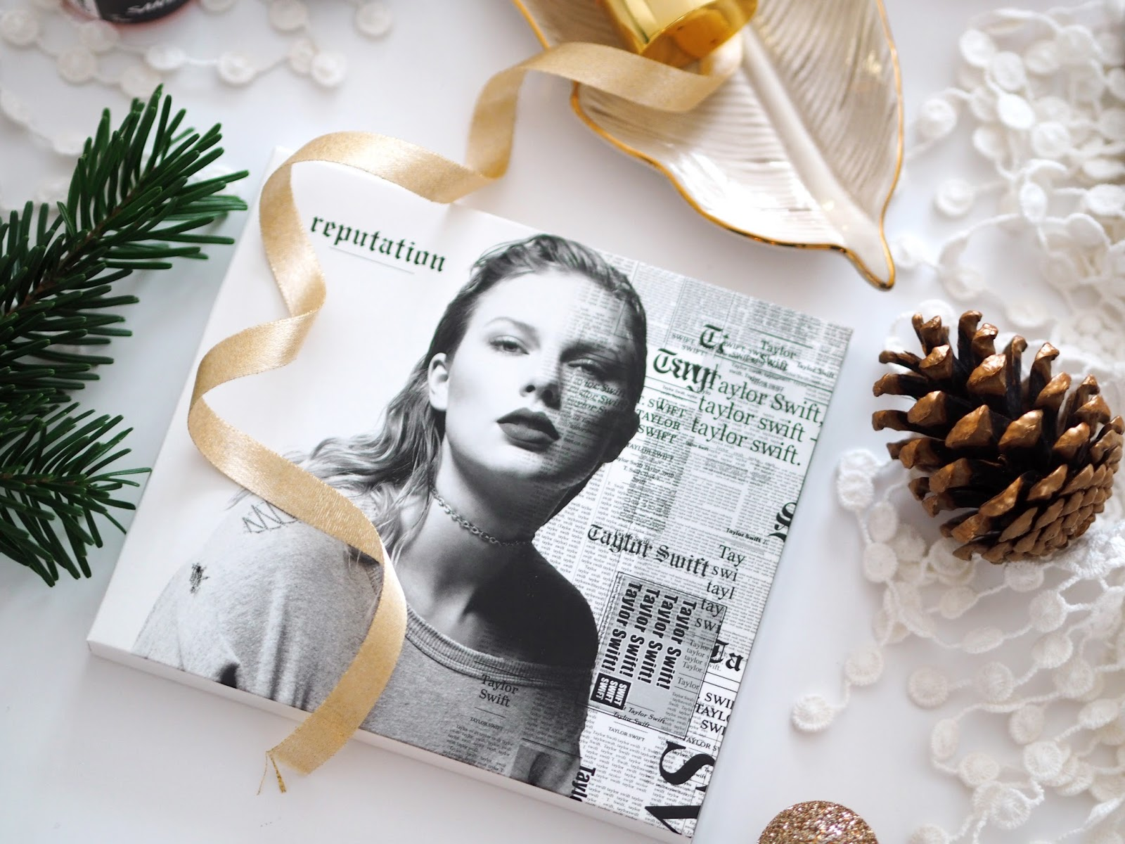 Loves List: December, Katie Kirk Loves, UK Blogger, West Sussex Blogger, Lifestyle Blogger, Beauty Blogger, Fashion Blogger, Bio Essence 24K Gold Miracle Finisher, Stila Cosmetics, Stila Cosmetics Glitter Eyes, Lush Cosmetics, Yankee Candle Christmas Eve, Nails Inc, Nails Inc Dirty Unicorns, Unicorn Nail Polish, Taylor Swift Taylor Swift Reputation Album, Blogger Loves, Blogger Favourites