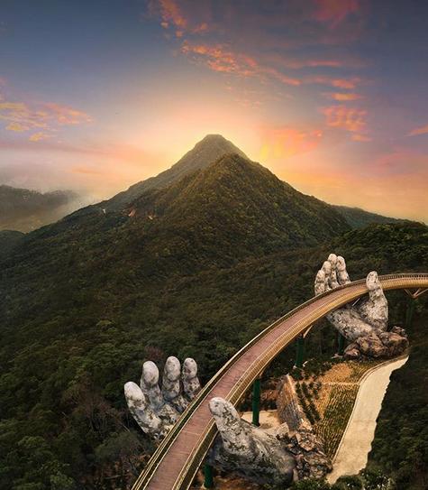 Pesona Jembatan Tangan Dewa Vietnam | Wisata Unik Vietnam