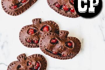 HALLOWEEN CHOCOLATE CHERRY HAND PIES