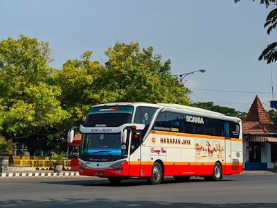 Foto Bus Harapan Jaya Blitar Jakarta 4