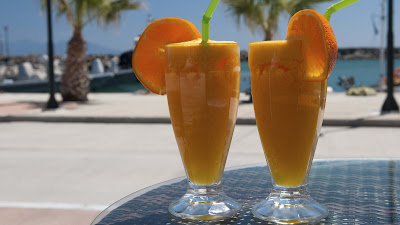 orange-juice-in-the-morning-makes-fresh