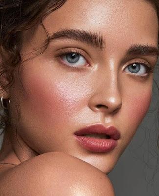 verao2020-tendencia-maquiagem-glow