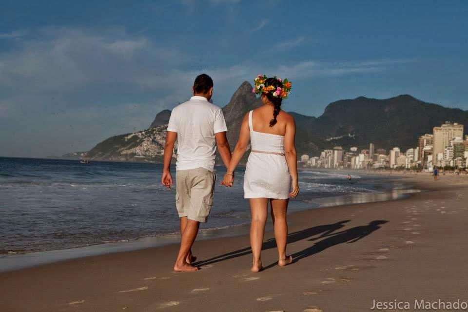 esession-praia-coroa-flores-noivos-2