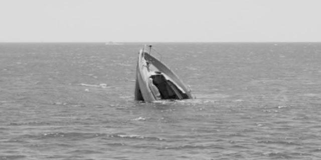 SEONI से MANDLA जा रही नाव नर्मदा में पलट गई, 15 सवार थे, 5 लापता | MP NEWS
