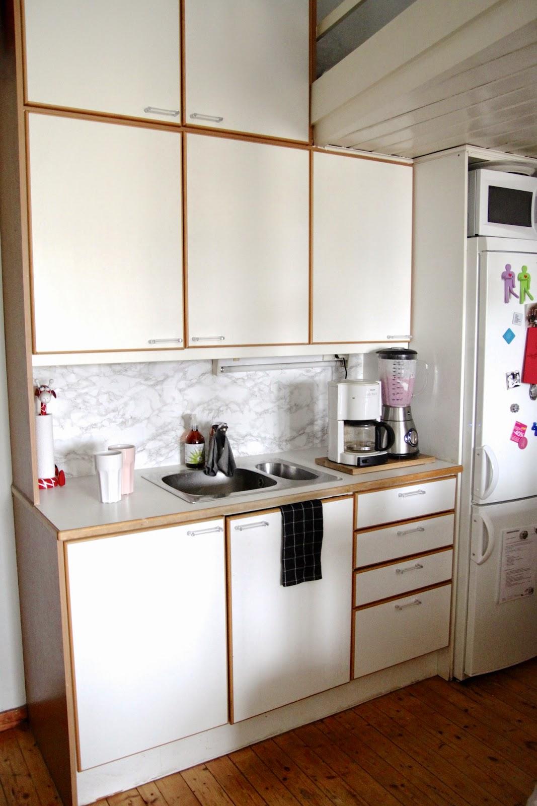 sis tiloissa dc fix keitti ss. Black Bedroom Furniture Sets. Home Design Ideas