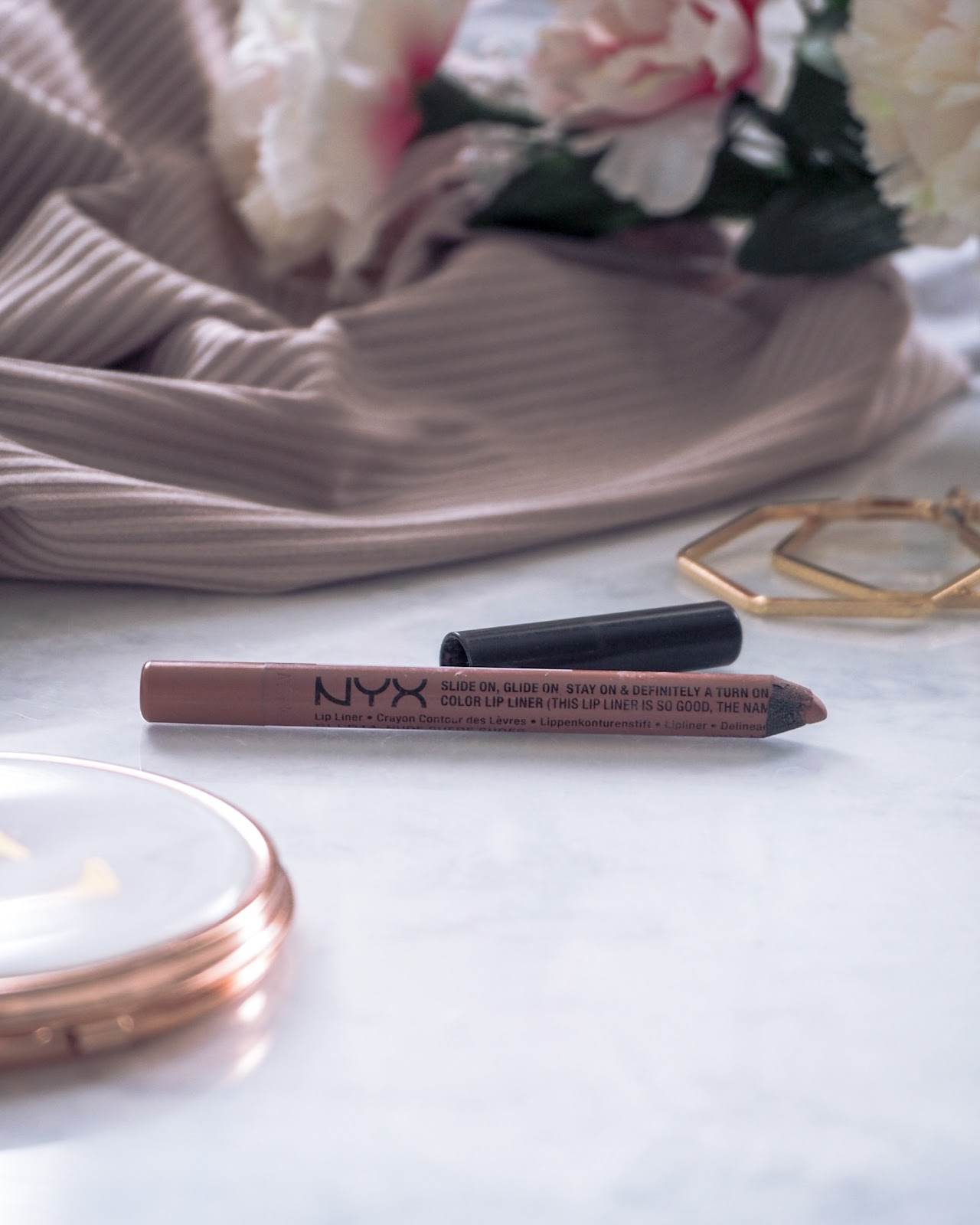 NYX Slide On Lip Liner Nude Suede Shoes