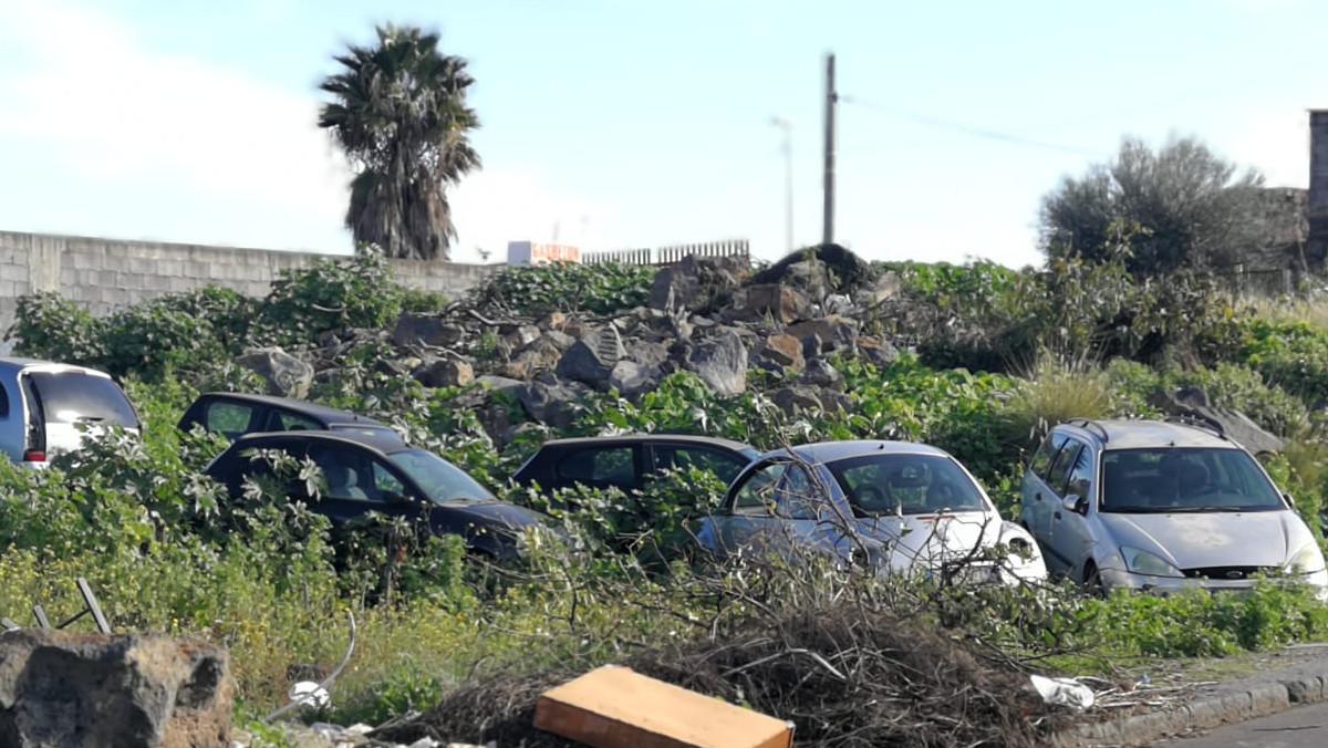 Auto abbandonate a Catania