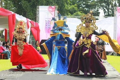 Meriahnya Salatiga Carnival Center ke-8