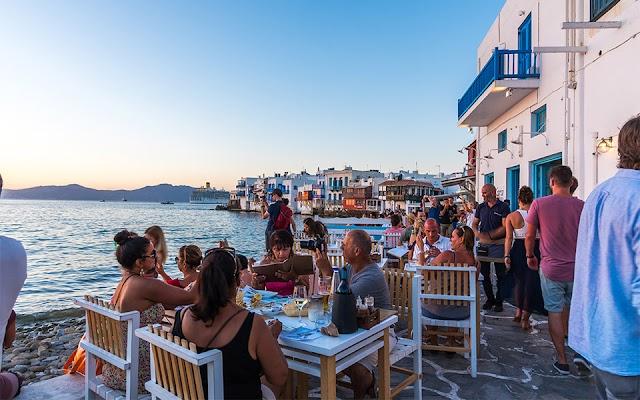 Φον ντερ Λάιεν: Μην ετοιμάζεστε για διακοπές το καλοκαίρι
