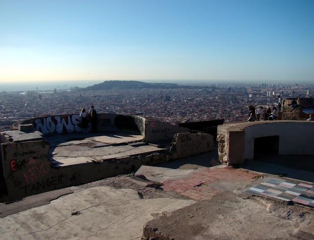 Widok na Barcelonę z Turó de la Rovira