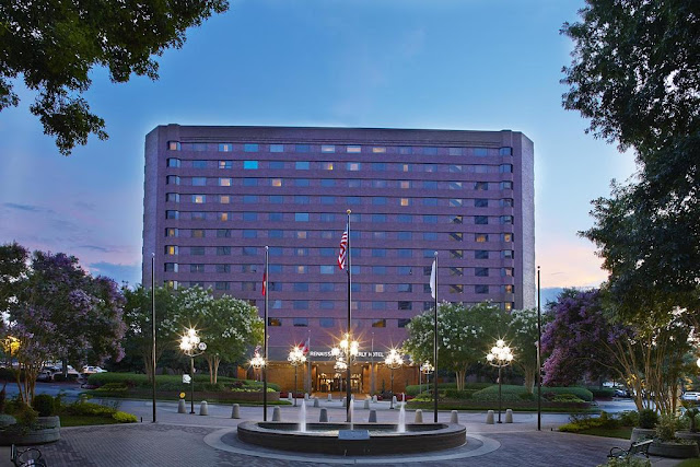 Bask in the luxury of modern reimagined spaces and superb service at Renaissance Atlanta Waverly Hotel & Convention Center.