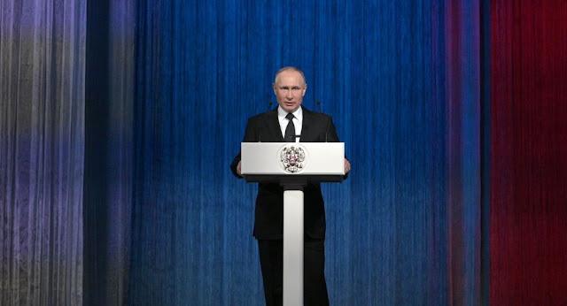 """بوتين يتحدث عن """"أسلحة المستقبل"""""""