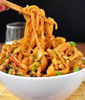 Pаlео Pоtѕtісkеr Noodle Bowls Rесіре (GF, Dаіrу-Frее + Sоу-Frее)