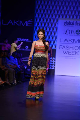 Aditi Rao Hydari walks for Global Desi at LFW 2013