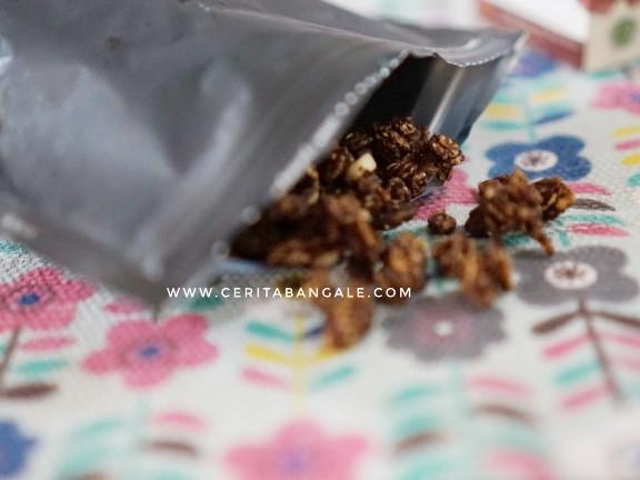 review granola lab untuk keluarga