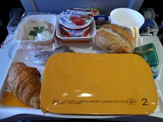 contoh-makanan-di-pesawat.jpg