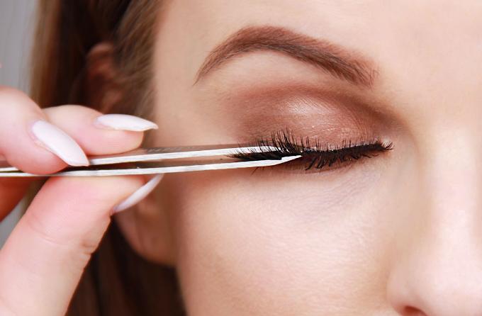 Tips Dalam Memilih Lem Eyelash Extension Yang Nyaman Dan Aman SehatQ