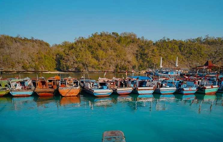 Pantai Sadeng -  Destinasi Wisata Alam Jogja Terhits