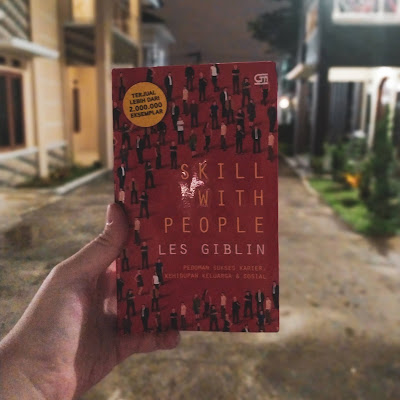 Review Buku Skill With People, Les Giblin