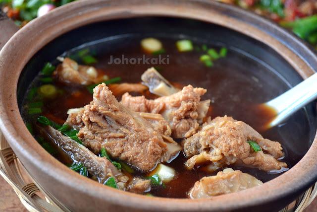 Bak-Kut-Teh-Hin-Hock-兴福肉骨茶-Tampoi-Johor-Bahru