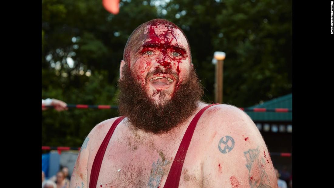Extreme naked wrestling - 2 4