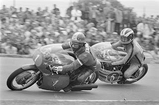 Giacomo Agostino leads Britain's Phil Read in a 350cc race in 1971