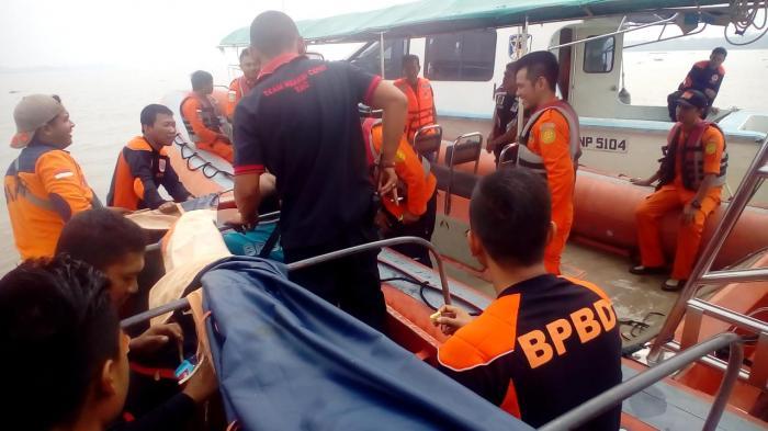 BREAKING NEWS: Jatuh Dari Sampan, Nelayan di Inhil Tenggelam di Sungai Indragiri