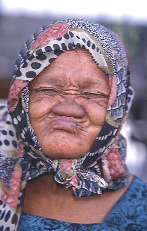 Verjaardag Oude Vrouw Cyz 06 Wofosogo