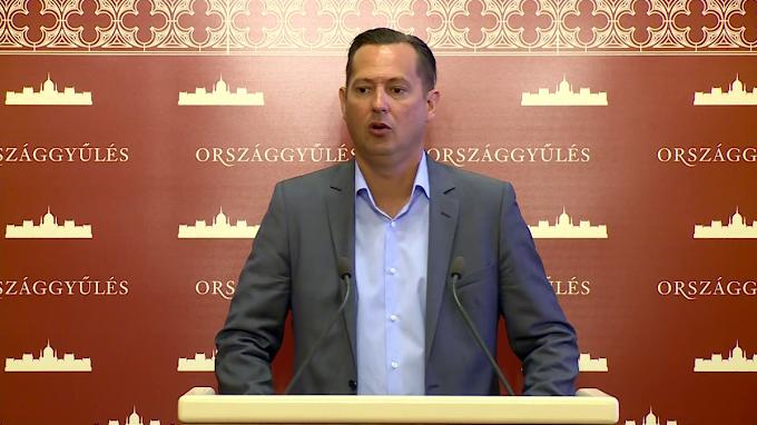 Összehívják a Nemzetbiztonsági Bizottságot a Szájer-ügy miatt