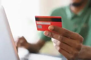 एक साथ कई क्रेडिट कार्ड हैं? फायदे और नुकसान का पता लगाएं!