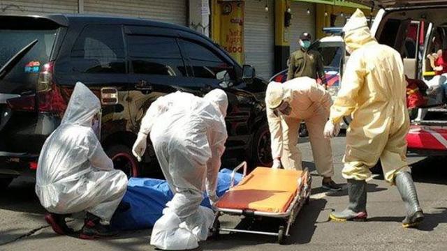 Ditolak 10 Rumah Sakit, Pasien Covid-19 Asal Depok Meninggal di Taksi Online