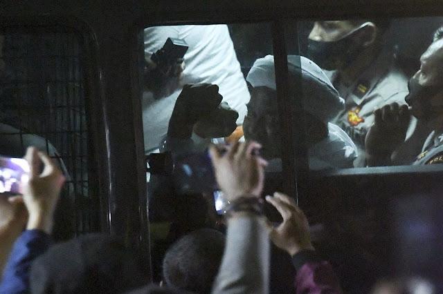Habib Rizieq Divonis Bersalah Telah Berbuat Onar, Mana Bukti Keonarannya?