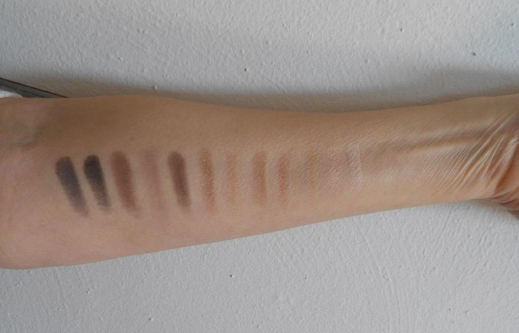 Rimmel Magnif'eyes Shadow Palettes swatches of Keep Calm and Wear Gold palette