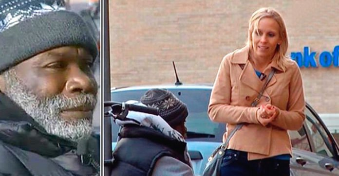 She Accidentally Drops Engagement Ring In Homeless Man's Cup. 2 Days Later, She Wants It Back