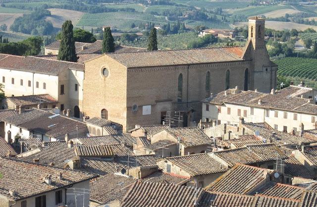 Informações sobre a Igreja de Santo Agostinho em San Gimignano