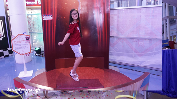 Science Circus - Robinsons Place Bacolod - The Science Museum - anti gravity illusion
