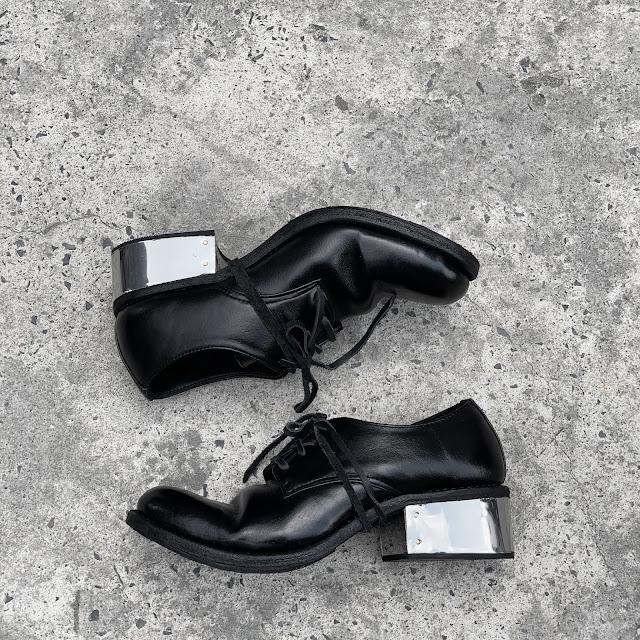 Derby Walker 301BI - Walker 301 with iron heels in Black