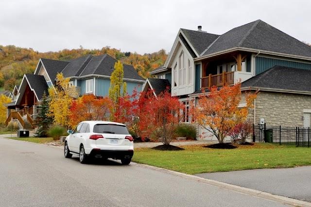 Autumn of Canada is picturesque