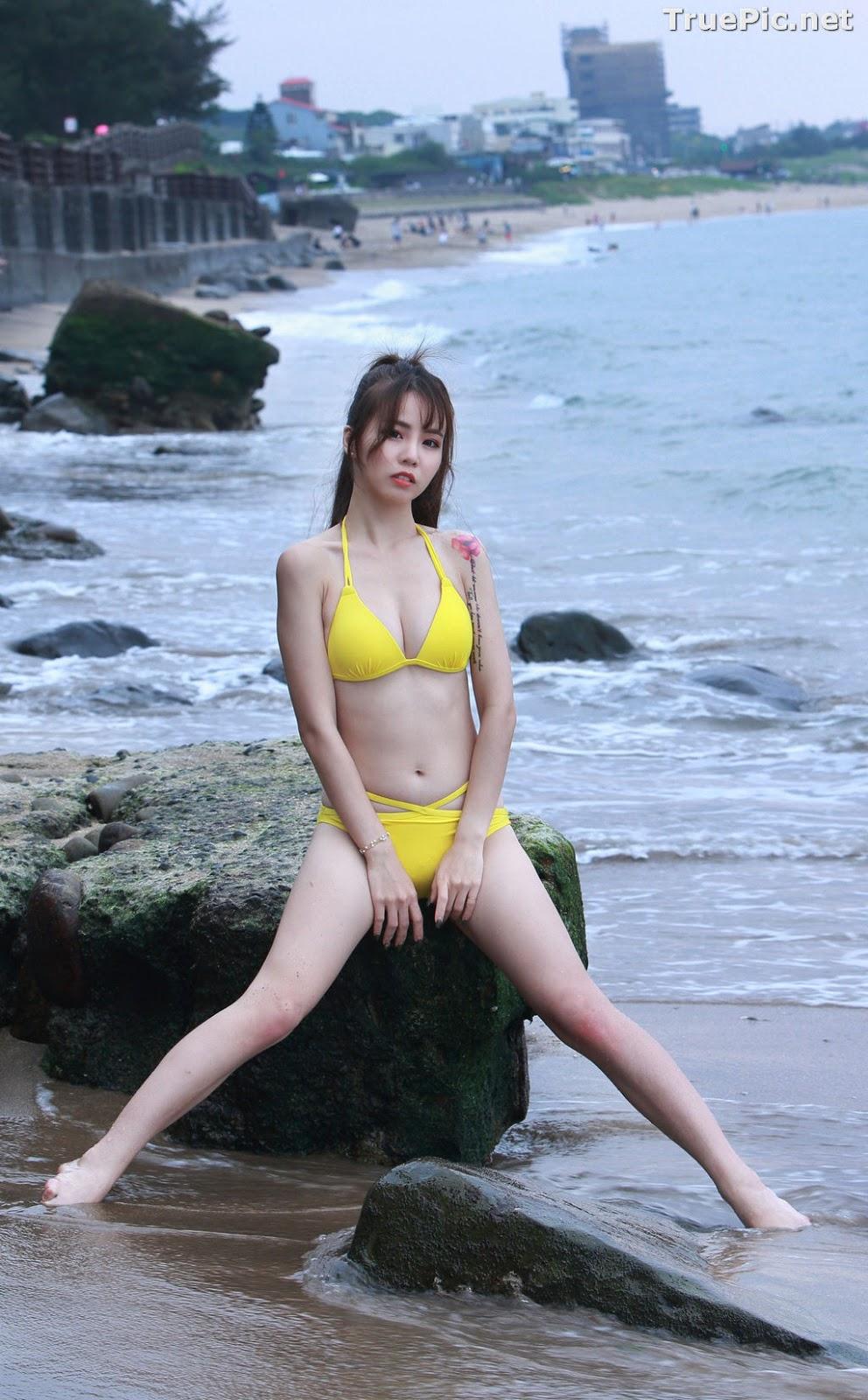 Image Taiwanese Beautiful Model - Debby Chiu - Yellow Sexy Bikini - TruePic.net - Picture-4