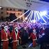 Θεσσαλονίκη: Συνατσάκη, Τανιμανίδης και εκατοντάδες Αγιοβασίληδες στην Πλατεία Αριστοτέλους (videos)
