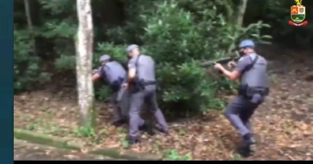 POLICIAIS MILITARES DA FORÇA TÁTICA E DA ROCAM FAZEM TREINAMENTO EM OCORRÊNCIAS ENVOLVENDO CARRO-FORTE EM MOGI DAS CRUZES