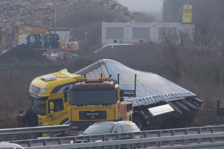 Lkw Unfall Auf Der A9 Bei Thurland Blaulichtreport Anhalt