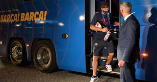 Barcelona travelled fans was heard shouting 'scoundrels!' as players arrive at their hotel