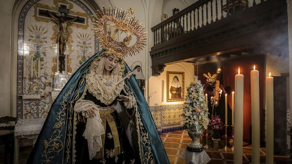 Bendición un terno y corona para la Virgen del Consuelo de Jerez