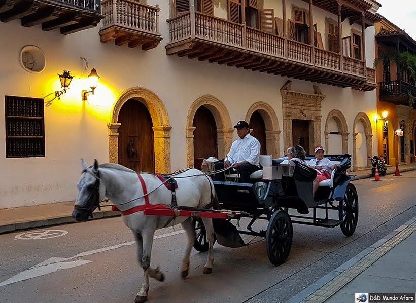passeio de charrete na cidade amuralhada - Diário de bordo: 4 dias em Cartagena, Colômbia